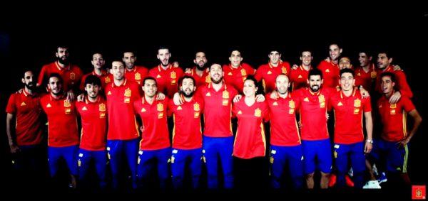 La Roja Baila (Himno Oficial de la Selección Española. Eurocopa 2016)